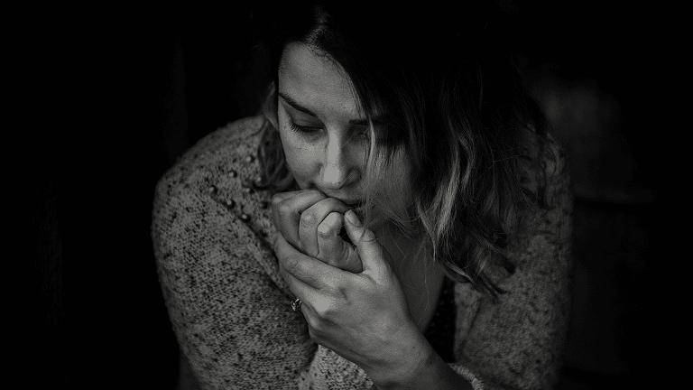 Frau ist Traurig nach einer Trennung